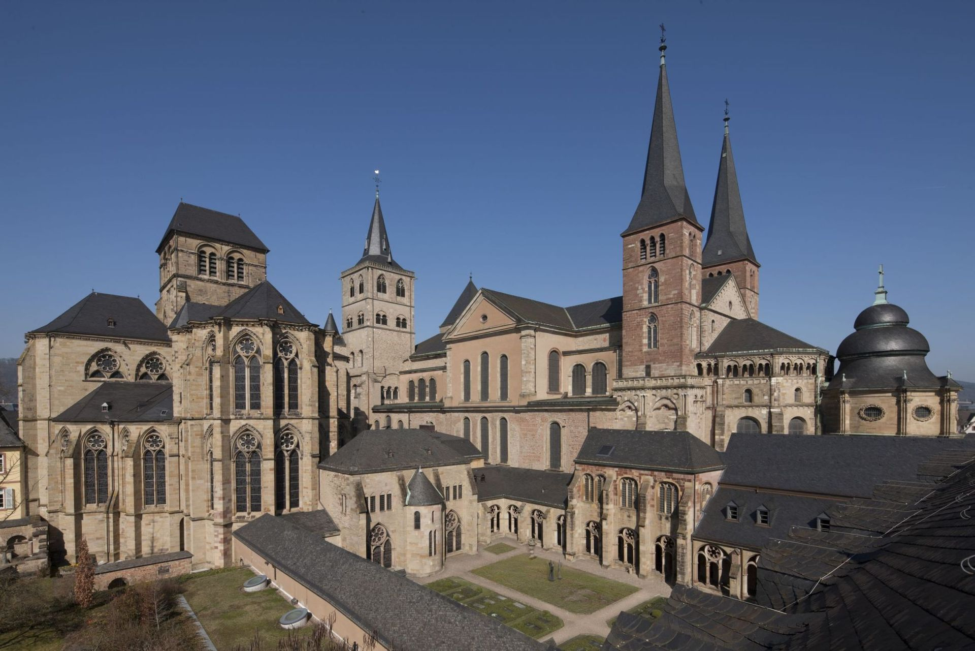 Cathedral and Church of Our Lady from southeast (Photo: D. Eisermann)